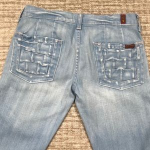 7 FOR ALL MANKIND (SZ 28) LIGHT WASH JEANS